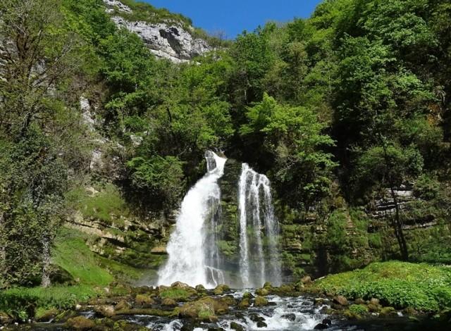 cascade-flumen-jura