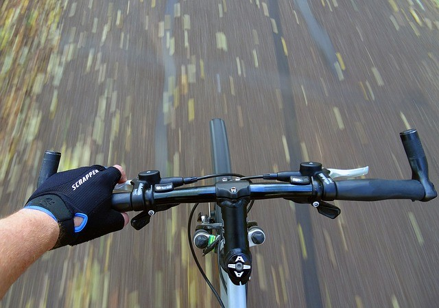 mountain-biking-2866843_640