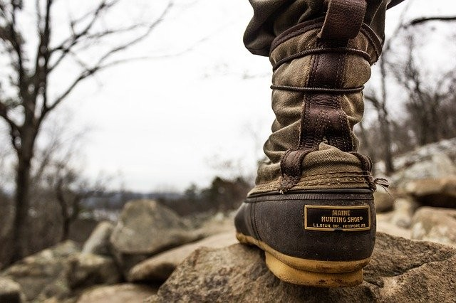 hiking-4417595_640
